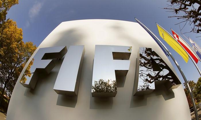 Novos patrocinadores não estão comprometendo a Fifa até que o novo presidente seja eleito