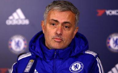 José Mourinho defende jogadores do Chelsea depois da noite de ligação em equipe
